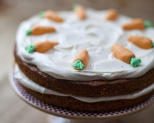 Carrot & Cardamon Cake with Cinnamon Cream Cheese Frosting