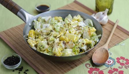 Stir-fried Cabbage with Garlic